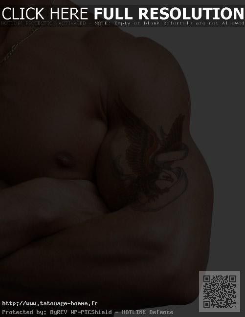 tatouage homme bras aigle
