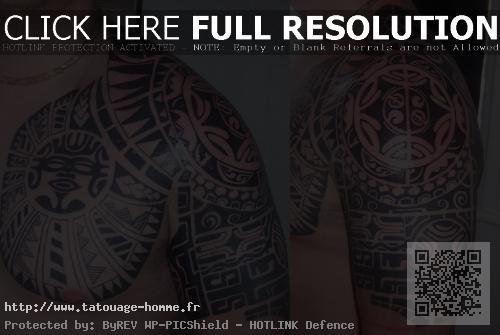 tatouage homme pectoraux épaule